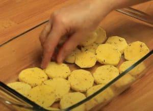 Πατάτες με κοτόπουλο και μπεσαμέλ στο φούρνο. Το ογκρατεν της ζωής σου!